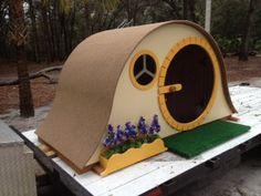 Hobbit Hut Playhouse - so cute!