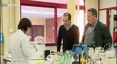 Dois investigadores da Universidade de Aveiro desenvolveram um código de ADN para marcas. Trata-se de uma tecnologia inovadora que pode ser aplicada em qualquer produto e fazer prova de autenticidade.