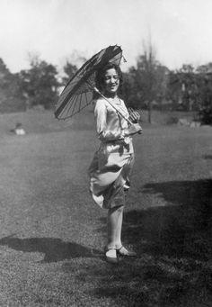 毎日新聞 早稲田写真館 戦中、戦後 女性の暮らしをたどる(ファッション編) - 毎日新聞