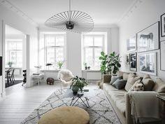 Stylish Living Area | Mi armario en ruinas