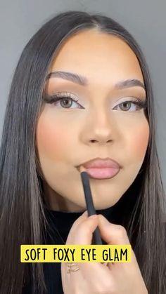 Eye Makeup Steps, Makeup Eye Looks, Pretty Makeup, Makeup Tips, Makeup Brands, Makeup Products, Red Lipstick Makeup Looks, Cute Eye Makeup, Summer Makeup Looks