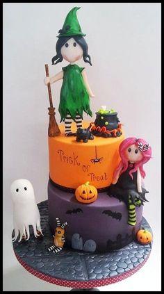 Trick or Treat Halloween Cake Bolo Halloween, Halloween Torte, Pasteles Halloween, Dessert Halloween, Theme Halloween, Halloween Birthday, Mom Birthday, Birthday Cakes, Favorite Holiday