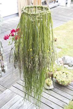 Vacker gräskrona till midsommar