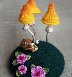 Crocheted amigurumi snail and mushrooms (free pattern) // Horgolt amigurumi csiga és gombák (horgolásmintával) // Mindy - craft tutorial collection