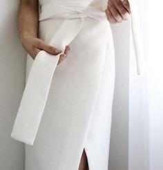 kidagakash / memories of atlantis White Style, Classic Style, My Style, Chic Minimalista, Jane The Virgin, Fashion Beauty, Womens Fashion, Office Attire, Minimal Fashion
