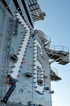 CVN-76  USS Ronald Reagan Us Navy Aircraft, Navy Aircraft Carrier, Uss Ronald Reagan, Uss Nimitz, Capital Ship, Navy Chief, Naval History, Mass Communication, United States Navy