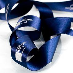 IHK Ulm Satinband individuell bedruckt #geschenkband #bedruckt mit Ihrem Logo #createam #image #schleifenband #satinband #banddruck #logoband #bandweberei #ribbons #imageribbons #satinribbons #namensbaender #geschenkband #packaging #freiburg