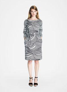 Kuplahdus-mekko (valkoinen, musta)  Vaatteet, Naiset, Mekot ja hameet   Marimekko