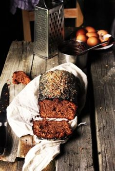 Chocolate bread w/ homemade whipped cream was the perfect dessert. Beaux Desserts, Just Desserts, Dessert Recipes, Cake Recipes, Food Cakes, Cupcake Cakes, Cupcakes, Blog Patisserie, Good Food
