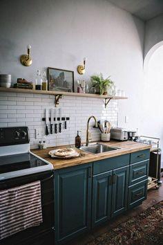 Small kitchen remodel ideas 48 Small kitchen remodel ide… – diy kitchen decor on a budget Home Renovation, Home Remodeling, Kitchen Remodeling, Diy Kitchen, Kitchen Decor, Kitchen Cabinets, Kitchen Ideas, Soapstone Kitchen, Kitchen Countertops