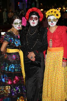 traditional day of the dead dresses hairstyles and makeup dia de los muertos