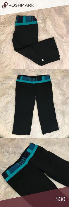Lululemon Crop Yogas Size 4.  Great condition.  Crop leggings.  Blue on the waistband. lululemon athletica Pants Leggings