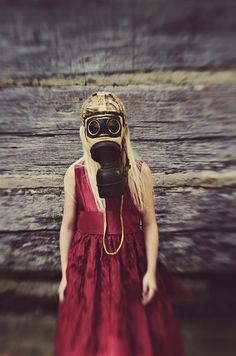 Lindy Christopher | Blog: Fine Art Photography by Lindy Christopher gas mask kid