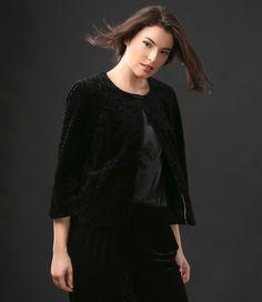 SUNSET Velvet Jacket #velvet #jacket #wintercollection #elegant #style #fashion #yokko Velvet Jacket, Style Fashion, Your Style, Ruffle Blouse, Magic, Slim, Sunset, Elegant, Jackets