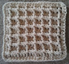 This crochet dishcloth pattern is a free Ravelry download by Chip Flory. Love this stitch pattern.
