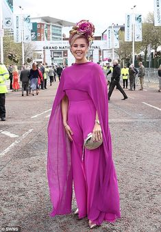 Aintree Festival 2019 Day Glamorous guests get out their best glad rags for Ladies Day White Flip Flops, Bright Dress, Monochrome Outfit, Boucle Jacket, Women's Hats, Floral Headpiece, Royal Ascot, Blue Coats, Blue Cardigan