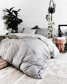 looks so cozy! | bedroom decor, messy room, home inspiration, house, living space, room, scandinavian, nordic, inviting, style, comfy, minimalist, minimalism, minimal, simplistic, simple, modern, contemporary, classic, classy, chic, girly, fun, clean aesthetic, bright, white, pursue pretty, style, neutral color palette, inspiration, inspirational, diy ideas, fresh, stylish, 2017, sophisticated
