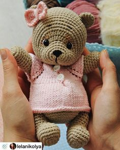In this article we will share free amigurumi teddy bear crochet patterns. On our site you can find everything you are looking for about amigurumi. Bunny Crochet, Crochet Bear Patterns, Crochet Baby Toys, Crochet Doll Pattern, Crochet Dolls, Free Crochet, Crochet Animals, Amigurumi Patterns, Knitting Loom Dolls