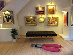 Miniaturists and Dollhouse Artisans use LEDs - Gallery. www.modeltrainsoftware.com/miniaturists-doll-house-leds.html