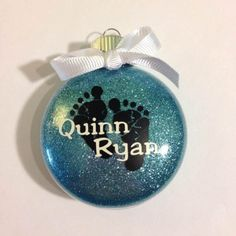 Personalized Ornaments using the silhouette cameo Baby's First Ornament, Baby First Christmas Ornament, Babies First Christmas, Christmas Bulbs, Christmas Stuff, Christmas Ideas, Christmas Crafts, Christmas Vinyl, Homemade Christmas
