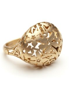 Domed ring by Pomellato is the absurdly stunning metalwork.  The ring looks elegant yet modern.  A floral pattern is laser cut into 18kt matte rose gold.  Size 6.5 or 53.