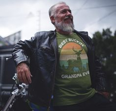 Men's Funny Grandpa T Shirt Father's Day Gift Best Buckin' Grandpa Ever Shirt Vintage Shirt Retro Buck Deer Grandpa Hunter Shirt Buck Deer, Custom Printed Shirts, Garment Bags, Fathers Day Shirts, Long Tee, Vintage Shirts, Cool Tees, Funny Shirts, T Shirt