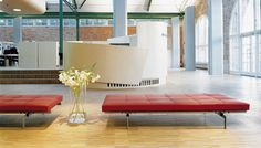 scandinavian design upholstered bench PK80™ by Poul Kjærholm Fritz Hansen