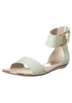 Tamaris - Sandalias tobilleras - verde Envy, Flats, Shoes, Fashion, Anklets, Shoes Sandals, Zapatos, Trapillo, Green