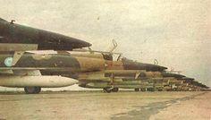 Linea de IAI Dagger de la Fuerza Aerea Argentina en 1980, foto del suplemento especial de Clarin sobre la Fuerza Aerea Argentina y la XXXI Semana Aeronautica y Espacial, del 16 de octubre de 1980... Foto de Francisco Alvarez.