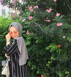 Week End Hijab Fashion Cute - Pemuja Wanita Hijab Fashion Summer, Modern Hijab Fashion, Hijab Fashion Inspiration, Muslim Fashion, Cute Fashion, Trendy Fashion, Latest Fashion, Hijabi Girl, Girl Hijab
