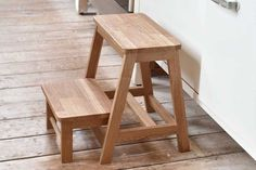 An attractive and sturdy solid oak stool with a step that is swung out from the interior to make a safe step for items in the top kitchen cupboard. Kitchen Step Stool, Sofas For Small Spaces, Diy Stool, Wooden Steps, Home Office Storage, Wooden Projects, Diy Projects, Wooden Kitchen, Occasional Chairs