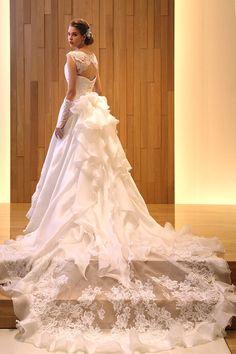 ウエディングドレス|ウエディングドレスのオーダー・レンタル Hisako Takayama
