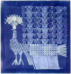 Kek festes - peacock Cultural Crafts, Ethnic Design, Indigo Dye, Peacocks, Shibori, Blue Backgrounds, Linen Fabric, Hungary, Textile Art