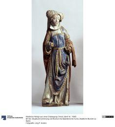 Sainte d'une mise au tombeau du Christ Figure 1515 Origine stylistique: Brabant Site culturel: Moncheux (Lieu) Noyer la mise au point, Hauteur: 105 cm Largeur: 34 cm Profondeur: 23 cm