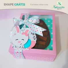 Free Studio file from Silhouette Brasil DIY box with egg shaped window and bunny topper easter Easter Bunny, Easter Eggs, Silhouette Online Store, Free Silhouette, Halloween Vinyl, Free Shapes, Freebies, Diy Box, Party Accessories