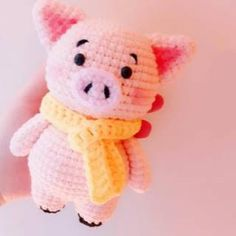 This pig amigurumi brings happiness to its owner! Find free piggy crochet pattern at here. Crochet Sock Pattern Free, Crochet Pig, Kawaii Crochet, Crochet Animal Patterns, Crochet Quilt, Stuffed Animal Patterns, Crochet Crafts, Crochet Dolls, Crochet Projects