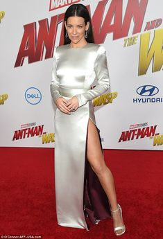 Evangeline Lilly radiated pure glamour in a silver gown during the premiere of Ant-Man And The Wasp at the El Capitan Theater in LA on Monday Beautiful Celebrities, Beautiful Actresses, Celebrities Fashion, Hot Actresses, Hollywood Actresses, Evangeline Lilly Wasp, Evangelina Lilly, Silver Gown, Glamour