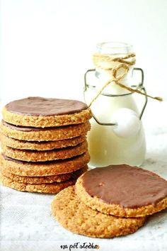 Razowe ciastka digestive bez cukru Healthy Baked Snacks, Healthy Cake, Healthy Cookies, Sugar Free Recipes, Baby Food Recipes, Cookie Recipes, Dessert Recipes, Vegan Sweets, Healthy Sweets