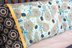 Ever had a tough time finding pillow cases to match your decor... Looks like an easy thing to do.