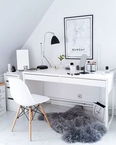31 White Home Office Ideas To Make Your Life Easier; home office idea;Home Office Organization Tips; chic home office. Home Office Design, Home Office Decor, House Design, Office Ideas, Office Furniture, Office Rug, Office Chic, Desk Decor Teen, Furniture Plans