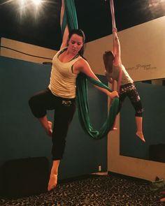 Who doesn& love combos Aerial Acrobatics, Aerial Dance, Aerial Silks, Yoga Inversions, Yoga Moves, Air Yoga, Aerial Yoga Hammock, Free Yoga Videos, Yoga Poses For Beginners