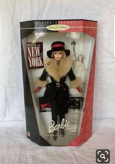 Vintage 1998 Mattel city seasons collectors edition Winter in New York Barbie doll from the 1998 winter collection~winter in New York barbie Collector Dolls, The Collector, Vintage Barbie, Vintage Ads, Barbie And Ken, Barbie Dolls, Barbies For Sale, Barbie Collection, Winter Collection
