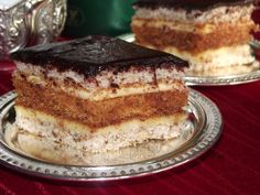 Romanian Desserts, Romanian Food, Romanian Recipes, Sweets Recipes, Cake Recipes, Hungarian Cake, Delicious Desserts, Yummy Food, Dessert Bread