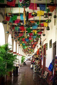 Mexican decor: fiesta decorations