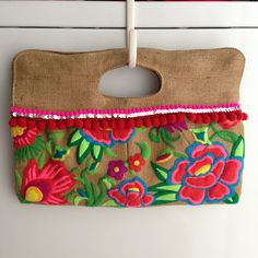 Everyday Bijoux: DIY Boho Burlap and Felt Clutch
