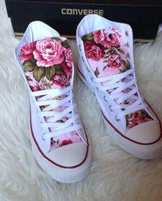 Tendance Chaussures  Summer Floral Converse Shoes  Tendance & idée Chaussures Femme 2016/2017 Description Summer Floral Converse Shoes by ChaoticMayhem on Etsy www.etsy.com/