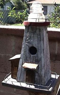 Lighthouse Bird House #birdhouseideas