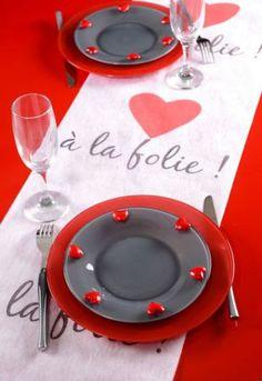 chemin-table-coeur-valentin-saint-mariage-gobelet-boire-fete-ceremonie-salle-decoration-table-etoile-theme-3.jpg