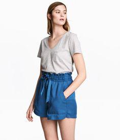 Shorts i lyocell   Mörkblå   Dam   H&M SE