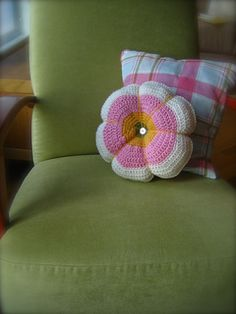Crochet pin cushions! (In the picture, someone enlarged the  pattern and used it for a throw pillow)
